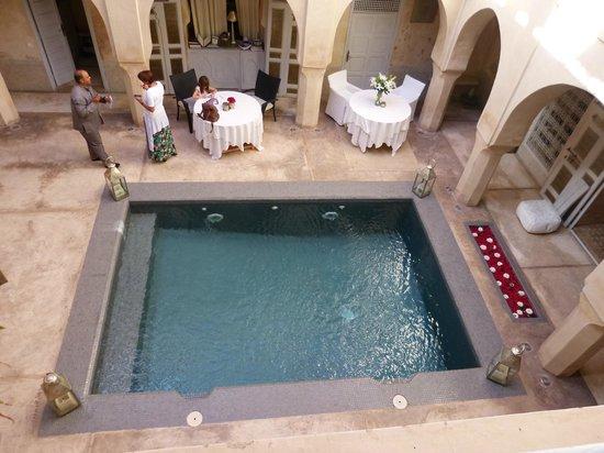AnaYela: Pool