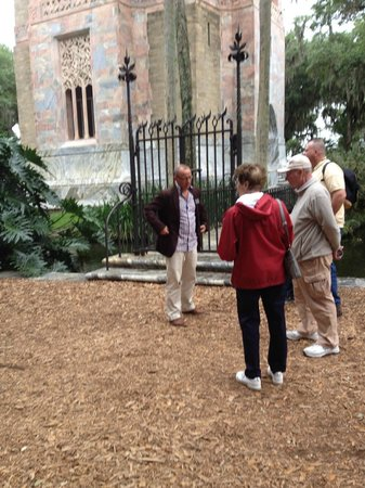 Bok Tower Gardens : The carillonneur answering guest questions