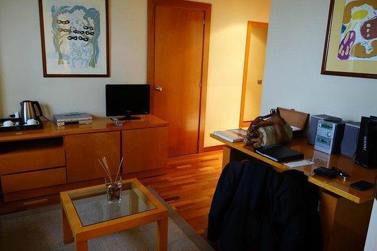 NH La Coruna Atlantico : Living area