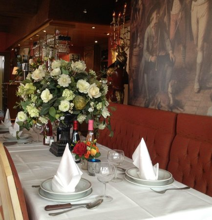 Cardiff Hotel Restaurant: Table Decoration