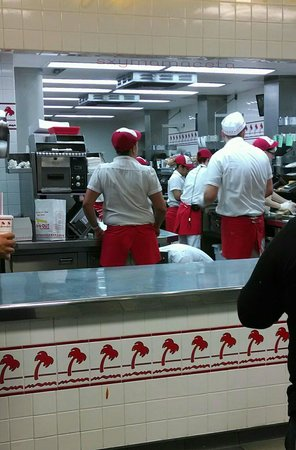 In-N-Out Burger: Busy staff 2-14