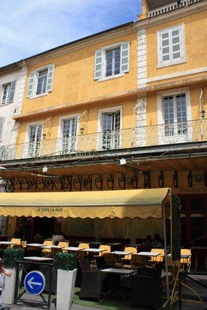 Le Café La Nuit: Фото, которые так часто делат туристы