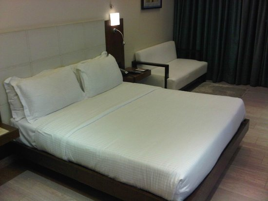 Residency Hotel Andheri: bed
