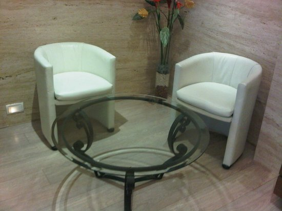 Residency Hotel Andheri: sitting area
