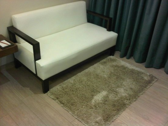 Residency Hotel Andheri: couch