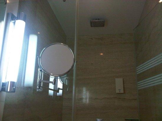 Residency Hotel Andheri: bath