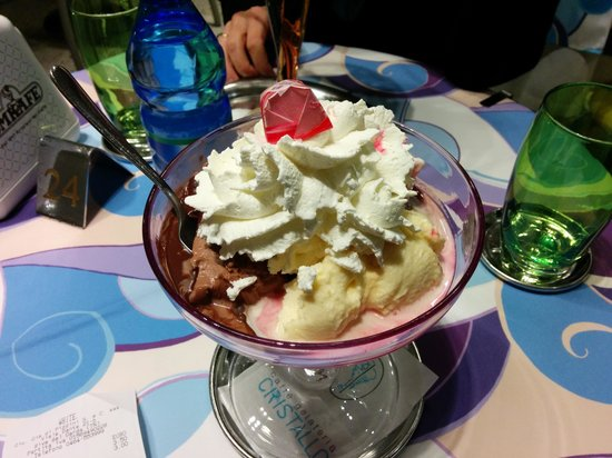 Cristallo Caffe Gelateria : moncherry