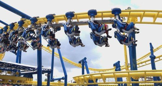 Fun Spot America : roller coaster