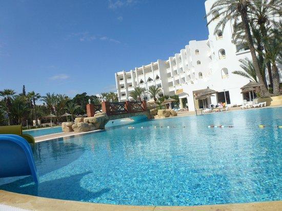Marhaba Salem : Pool View