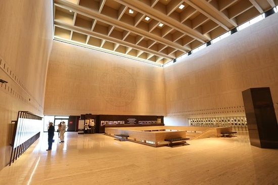 LBJ Presidential Library : Grand Hall