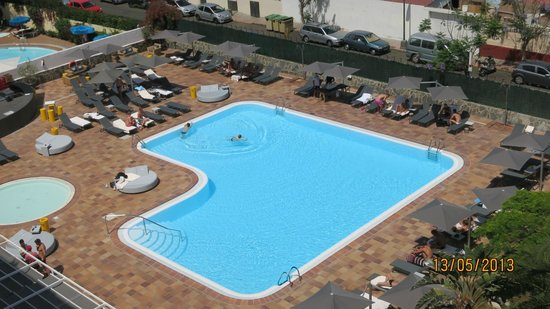 AxelBeach Maspalomas: Вид на бассейн