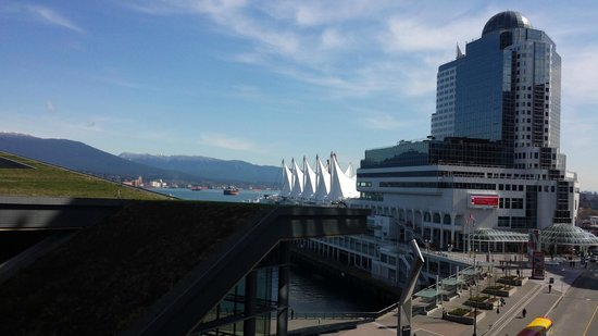 Fairmont Pacific Rim : View of the North Shore mountains and Canada Place