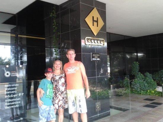 Hotel Gran Marquise : Eu, meu filho e esposo