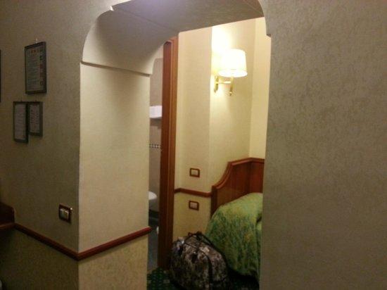 Amalfi Hotel: O quarto triplo é bem dividido