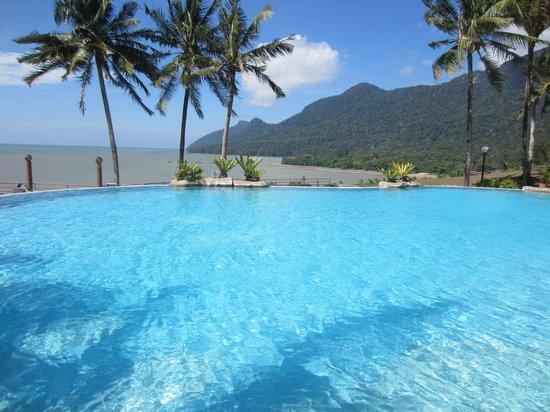 Damai Beach Resort: Hilltop Pool