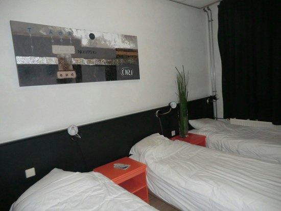 Hotel La Boheme : Habitacion triple