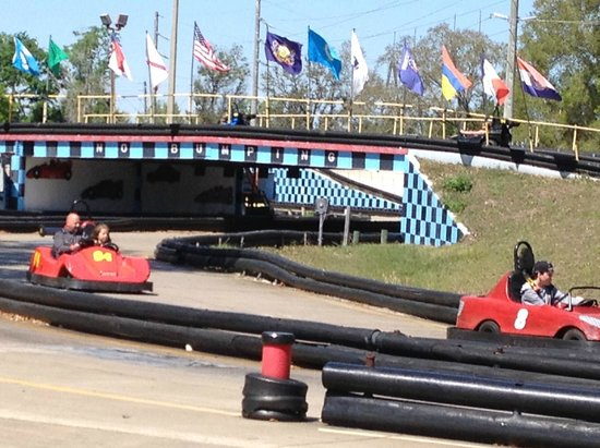 Kissimmee Go-Karts: racing the 1 mile track
