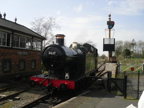 East Somerset Railway: Train coming in