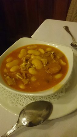 Restaurante Jose Maria: Esse putchero e fantástico... Feijão branco muito saboroso, isso como entrada e depois o cuchini