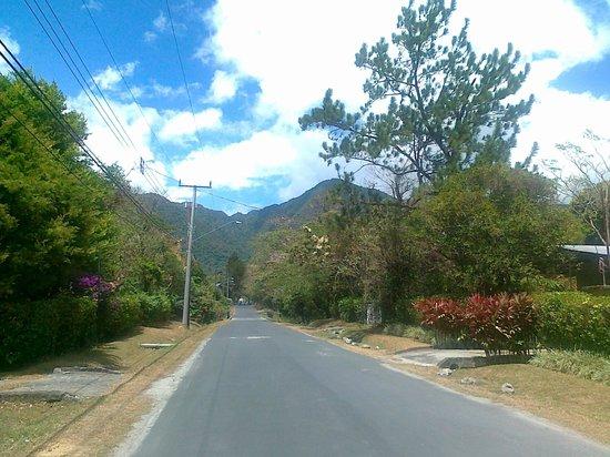 Casa Mariposa: Fahrweg in El Valle
