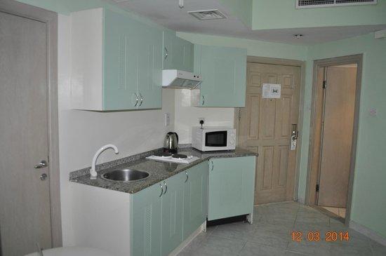 Pearl Residence : Pokój-aneks kuchenny