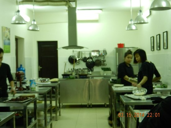 Hanoi Cooking Centre: Kitchen at  Hanoi Cooking Center