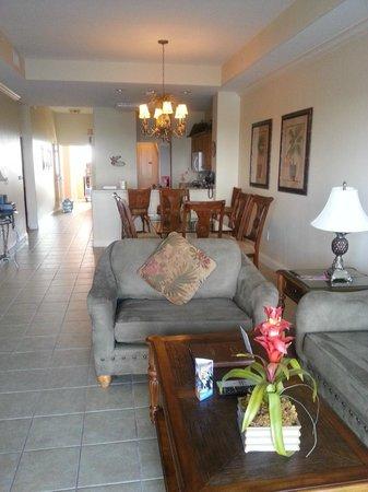 Blue Heron Beach Resort : Family/Dining rooms