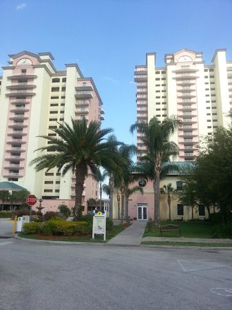 Blue Heron Beach Resort: From the street