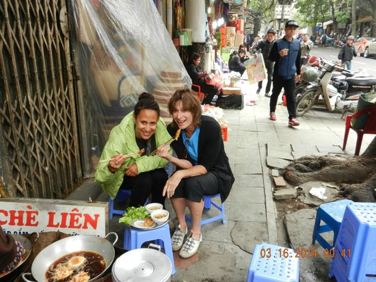 Hanoi Cooking Centre: Street food dining