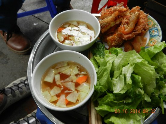 Hanoi Cooking Centre: Lettuce wrap