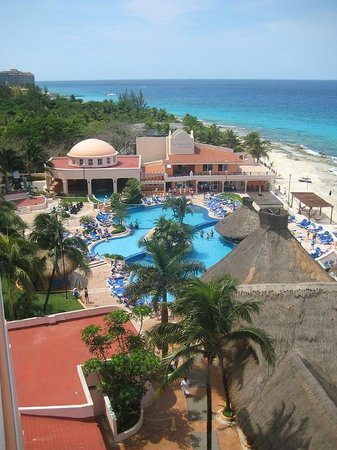 El Cozumeleño Beach Resort: view from sixth floor balcony looking south over the main pool area