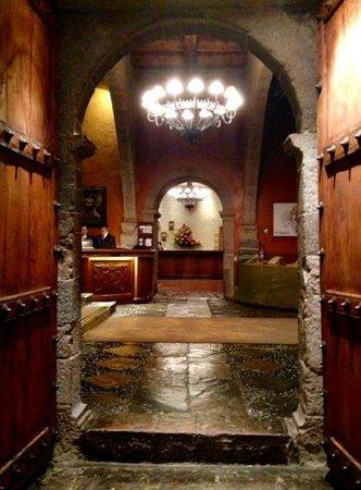 Belmond Hotel Monasterio : Lobby exit