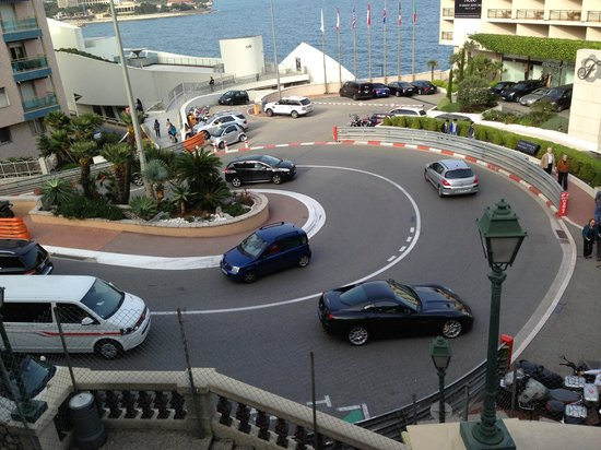 Fairmont Monte Carlo : The famous F1 turn in front of the hotel