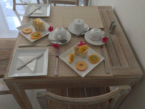 Rockwell Colombo: Colombo Breakfast