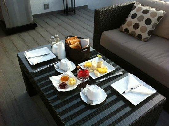 Rockwell Colombo: Lounge