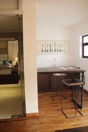 Rockwell Colombo: Cool Room