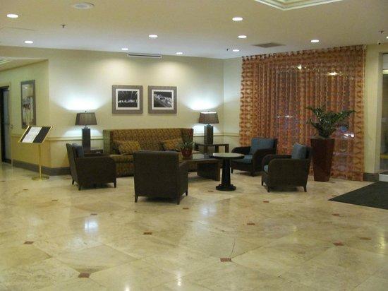 Holiday Inn Coral Gables - University: Hall de Entrada