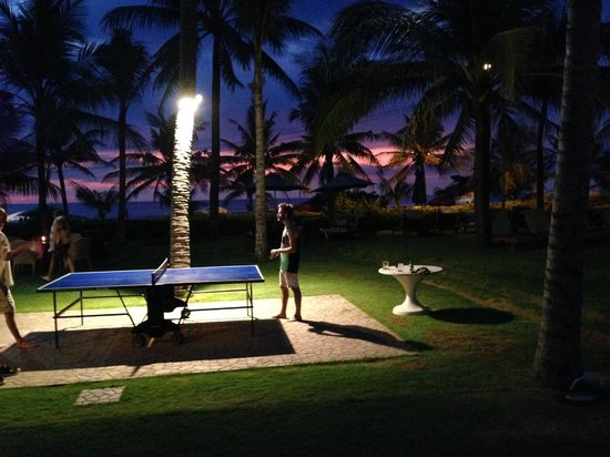 Bali Mandira Beach Resort & Spa: Table Tennis at night