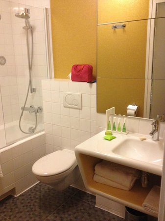 Hôtel Joyce - Astotel : Bathroom room 204 (superior twin)