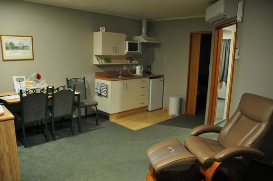 Brydan Accommodation: Living quarters