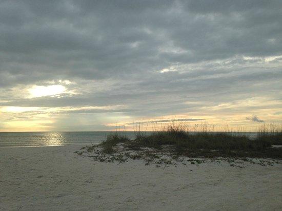 Postcard Inn on the Beach: View of beach