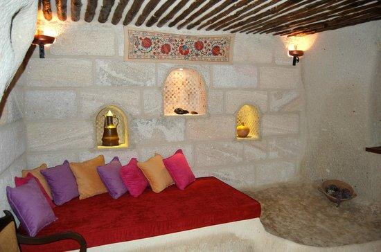 Cappadocia Cave Suites: リビング