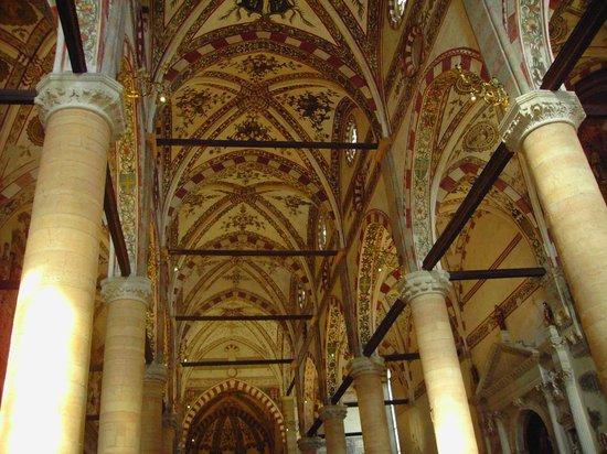 Chiesa di Sant'Anastasia : Il soffitto della navata centrale