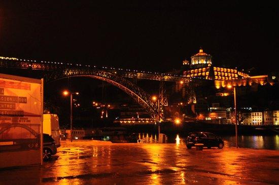 Mercure Porto Centro Hotel: vue nocturne