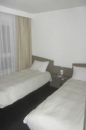 Adagio Annecy Centre : Chambre à 2 lits