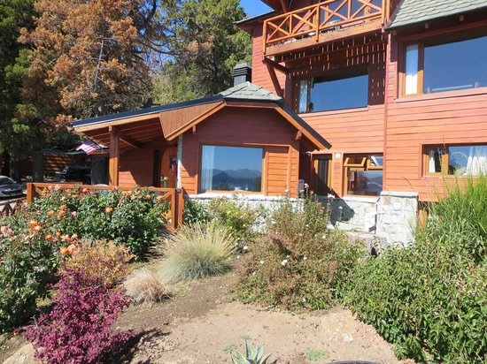 Charming Luxury Lodge & Private Spa : Charming cabin like exterior