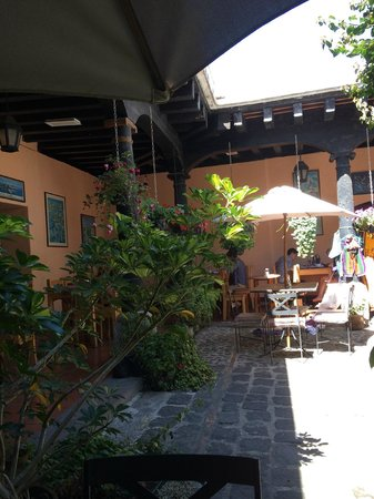 Fernando's Kaffee: View from the courtyard