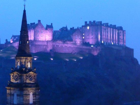 Waldorf Astoria Edinburgh - The Caledonian: Photo taken at night through the window of our room of Edinburgh Castle