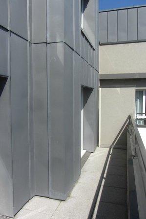 Adagio Annecy Centre : Terrasse de l'appartement