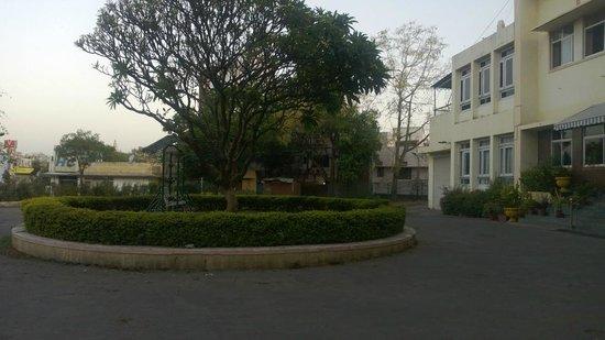 Kajri Hotel : Outside